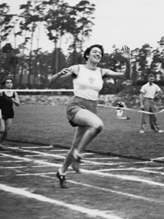 Gretel Bergmann in 1936 at a sports festival on the sports field of the Jewish community in Berlin-Grunewald.