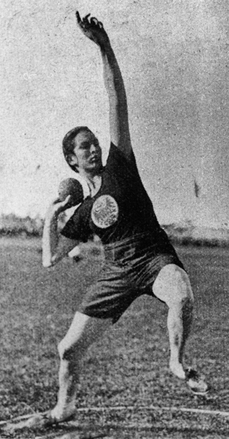 "Lilli Henoch was the first woman to be honored with the ""Golden Eagle"" – the highest honor awarded by the Berliner Sport-Clubs."