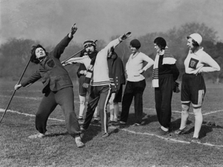 In 1931 Martha Jacob became the trainer of the British women's track and field team in preparation for the Summer Olympics in Los Angeles. She is pictured here in 1932 teaching throwing techniques.
