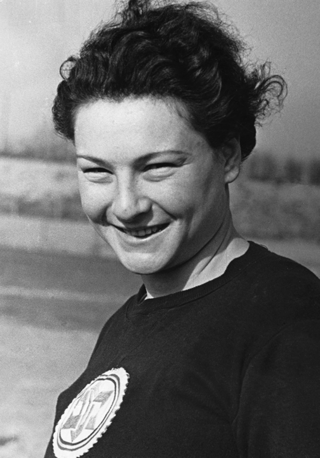 Martha Jacob is pictured here in 1935 during her final visit to Germany for the Jewish sports festival at the Grunewald athletic facilities. Shortly thereafter, the Gestapo interrogated her for nine hours. It was then that she decided to leave Germany forever.